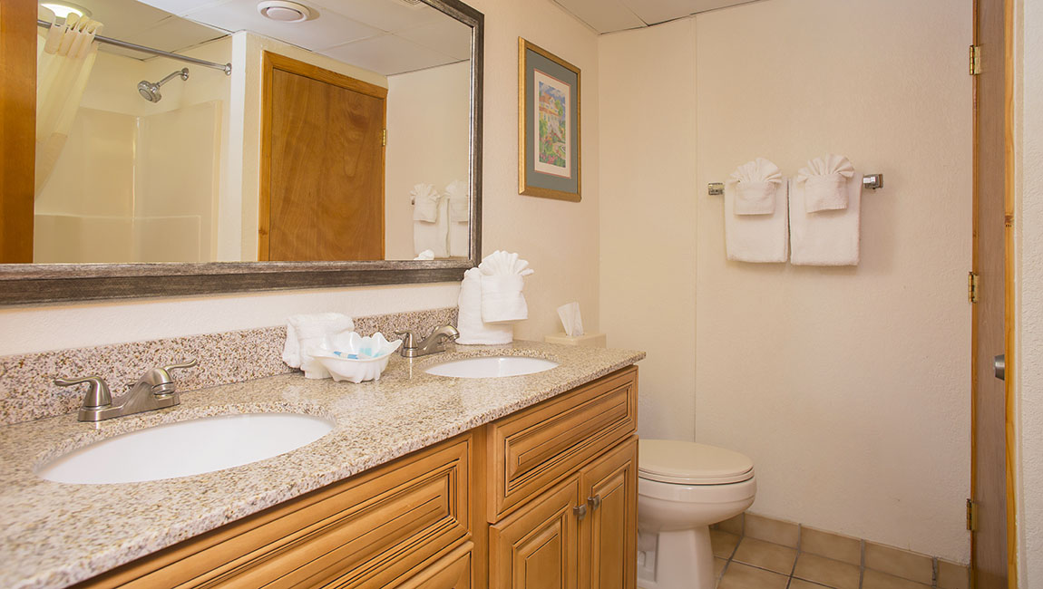 Beach Cove Resort Bathroom