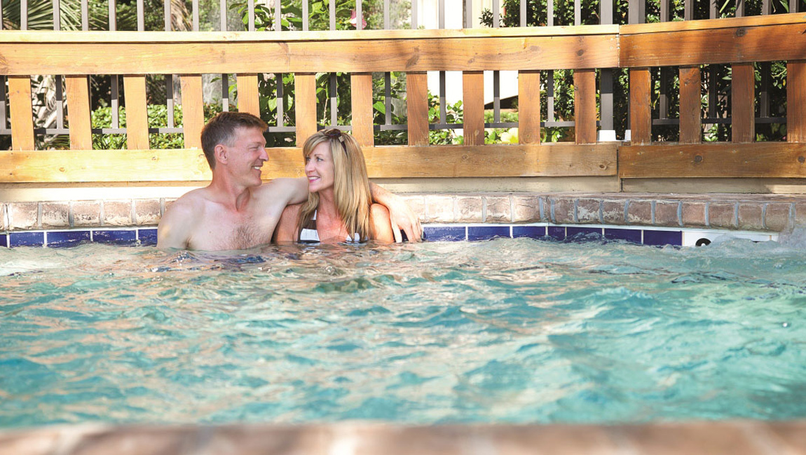 Beach Cove Resort Hot Tub